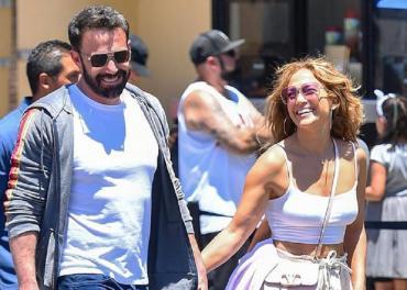 Jennifer Lopez y Ben Affleck recrearon en fotos uno de sus momentos más icónicos