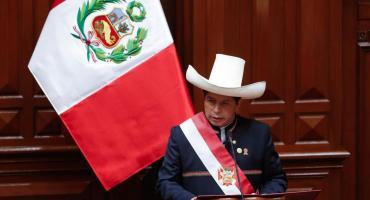 Pedro Castillo asumió como presidente de Perú: prometió un