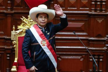 Pedro Castillo anunció que los jóvenes que no estudien ni trabajen deberán hacer el servicio militar