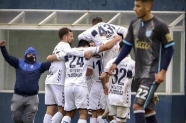 Agónico triunfo de Gimnasia de La Plata ante Atlético Tucumán en partido chato y aburrido
