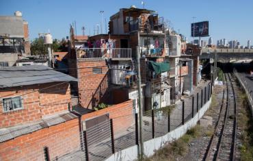 Crisis sin final: en julio, una familia porteña necesitó al menos $66.545 para no ser pobre