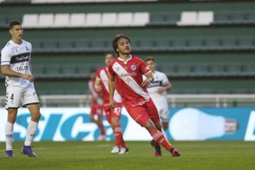 En un partidazo, Argentinos Juniors venció a Gimnasia y se metió en los cuartos de final de la Copa Argentina