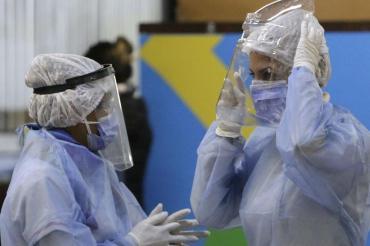 Argentina se mantiene entre los países con más casos a pesar de tener una tasa de vacunación superior al promedio de la región