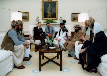 Estados Unidos, los talibanes y el peligro de haber dormido con el enemigo en Afganistán