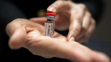 Tras la obligación del pase sanitario en el trabajo, suben las vacunaciones en Italia