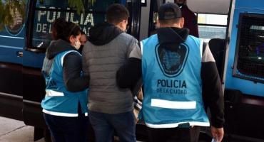 Estaba prófugo por un crimen en Colombia y fue detenido en la Ciudad por robar un auto