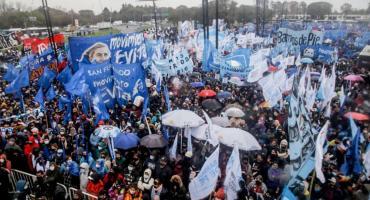 El movimiento Evita y otras organizaciones sociales se movilizan en apoyo a Fernández