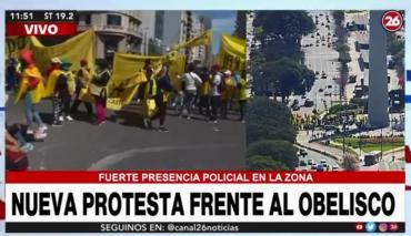 Otra jornada de caos en el centro porteño: nueva protesta frente al Obelisco