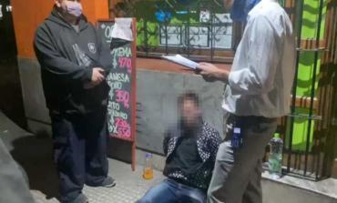 Violó la perimetral y atropelló al policía que custodiaba a su ex pareja