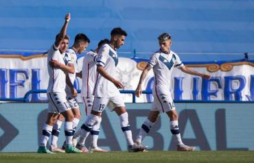 Vélez se lo dio vuelta a Aldosivi y se impuso 3 a 2 en Liniers