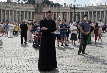 Polémica decisión: exigen pase sanitario obligatorio para entrar al Vaticano, pero no a los fieles