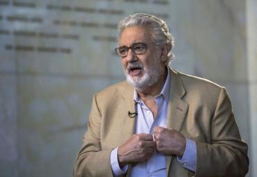Medio centenar de personas en rechazo al concierto de Plácido Domingo en Mérida