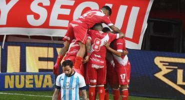 Argentinos pegó primero, dos veces, y le ganó a Racing 2 a 0