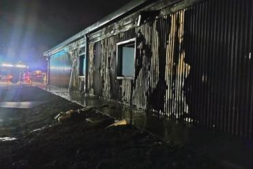 Incendio en una oficina de turismo en El Bolsón: denuncian que fue intencional