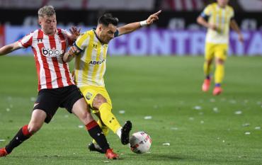 Estudiantes rescató un agónico empate ante Central en La Plata