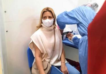 Fabiola Yáñez recibió la primera dosis de la vacuna contra el coronavirus tras cumplir la 12° semana de embarazo