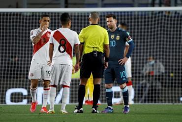Messi apuntó contra Wilton Sampaio: ¿dónde nació el enojo del capitán argentino con el árbitro?