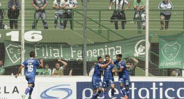 En un partidazo, Unión goleó 4 a 3 a Sarmiento