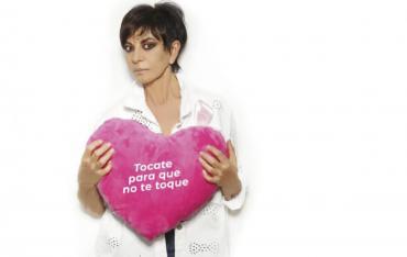 """""""Manos de mujer"""": la campaña contra el cáncer de mama realizada por periodistas"""