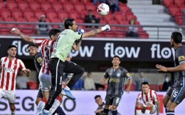 Estudiantes se lo empató en el final a Atlético Tucumán, en el debut de Pablo Guiñazú como DT del